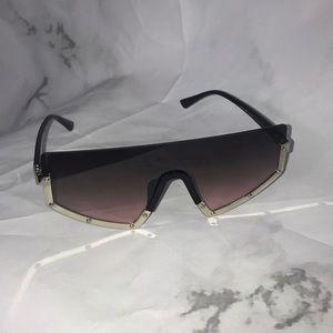 Accessories - NEW Shield sunglasses black rose gold
